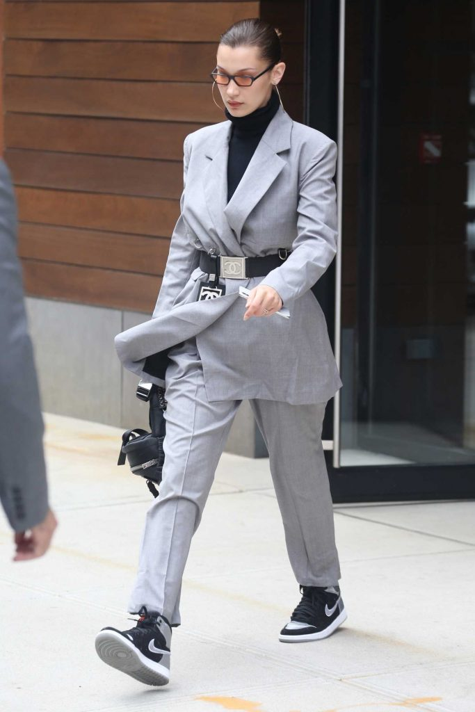 Bella Hadid Leaves Her Apartment in New York City-5