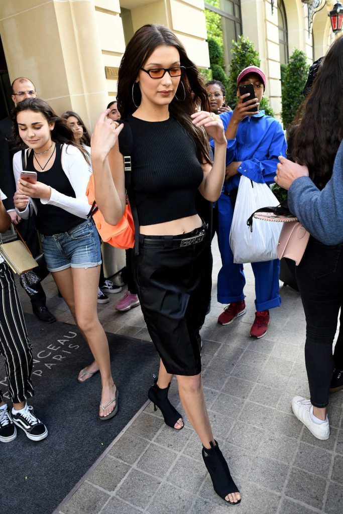 Bella Hadid Meets the Fans Out in Paris-4
