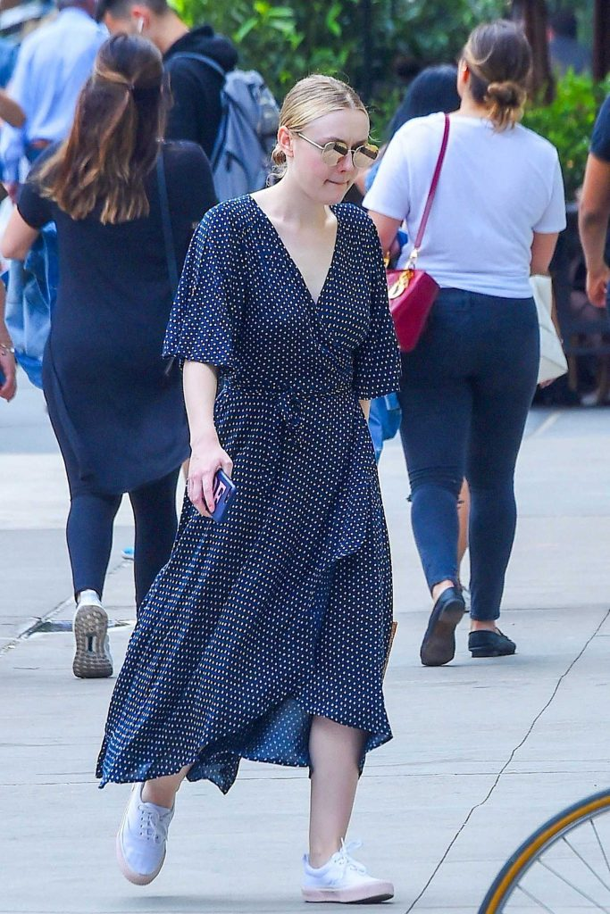 Dakota Fanning Was Seen Out in SoHo in NYC Was Seen Out in SoHo in NYC-2
