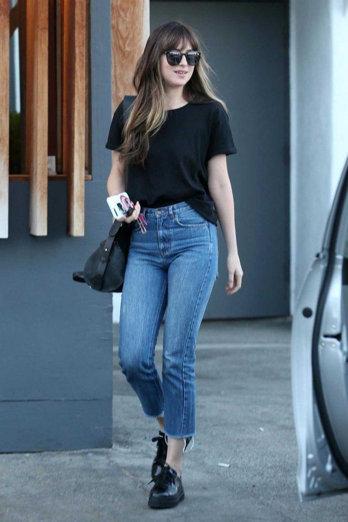 Dakota Johnson Leaves Meche Hair Salon in Beverly Hills-1