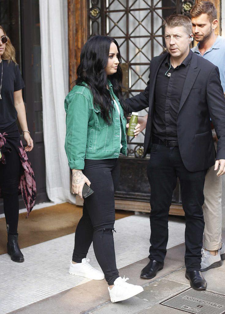 Demi Lovato Leaves Her Hotel in Barcelona-2