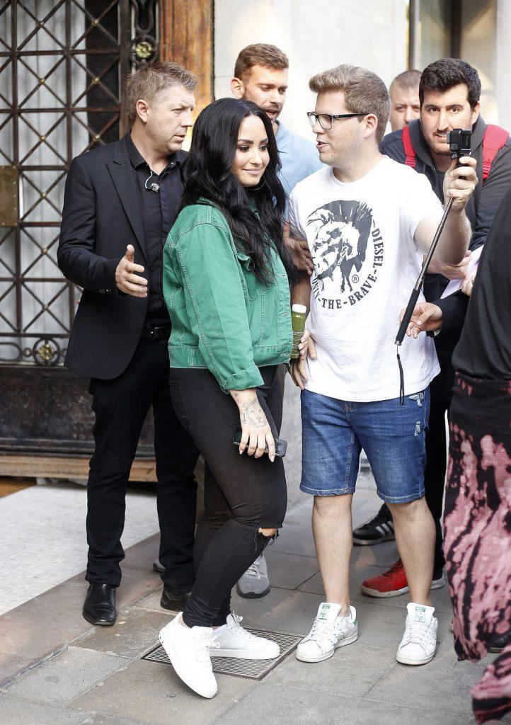 Demi Lovato Leaves Her Hotel in Barcelona-3