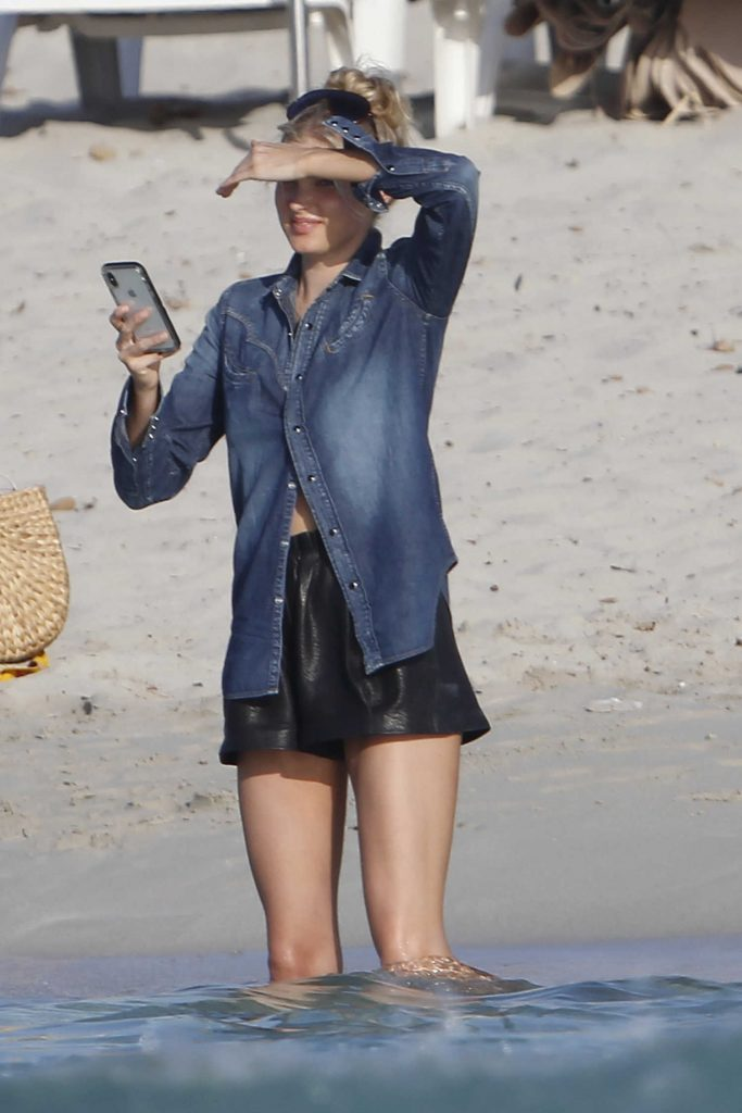 Elsa Hosk Leaves Lunch with Olivia Culpo in Formentera-5