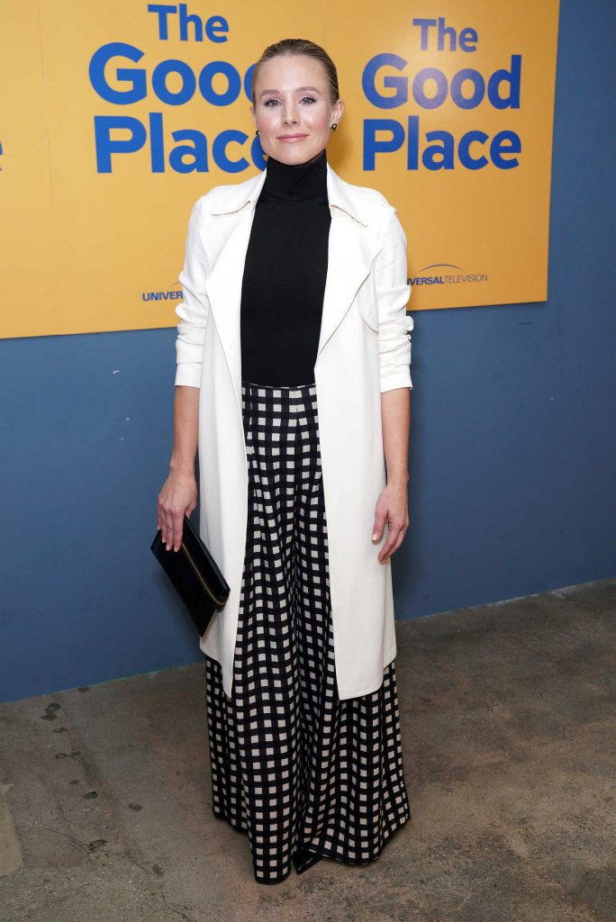 Kristen Bell Attends The Good Place in Hollywood-1