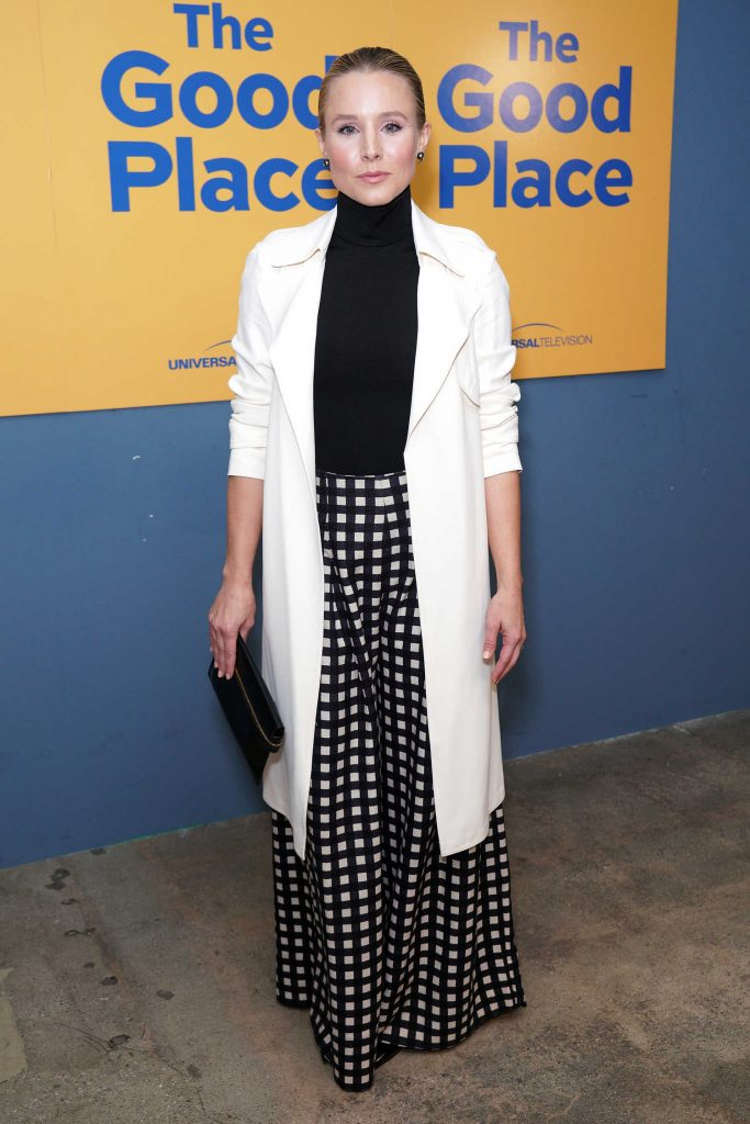 Kristen Bell Attends The Good Place in Hollywood-2