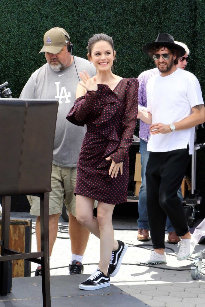 Rachel Bilson Arrives at Extra TV Show in Los Angeles-1