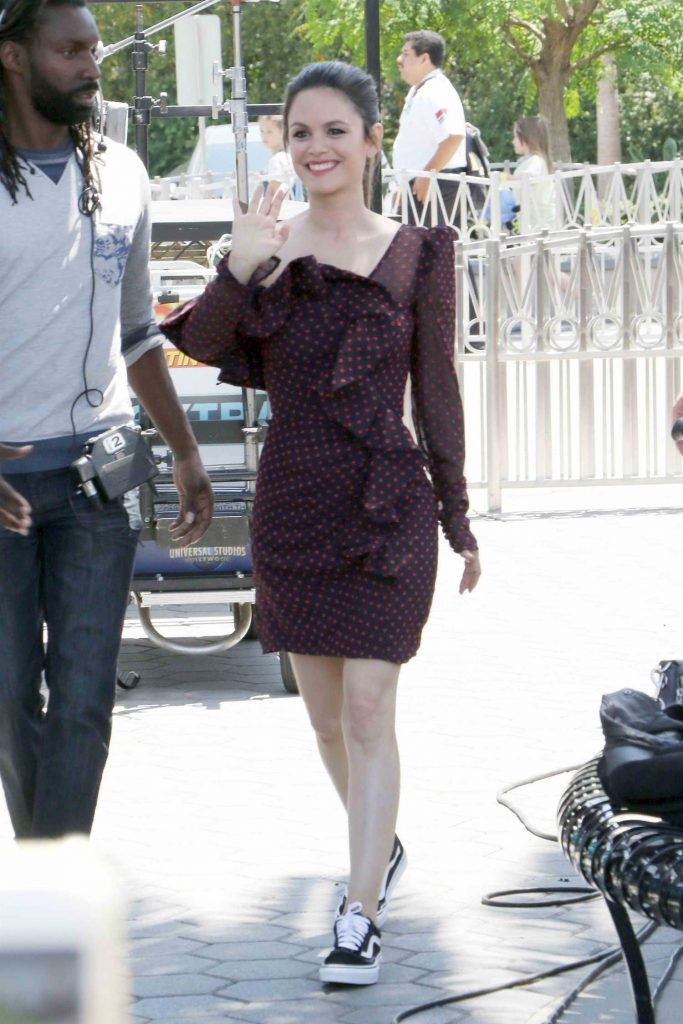 Rachel Bilson Arrives at Extra TV Show in Los Angeles-4
