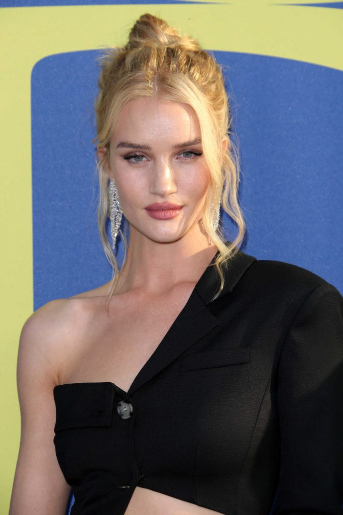 Rosie Huntington-Whiteley at 2018 CFDA Fashion Awards at Brooklyn Museum in New York City-5