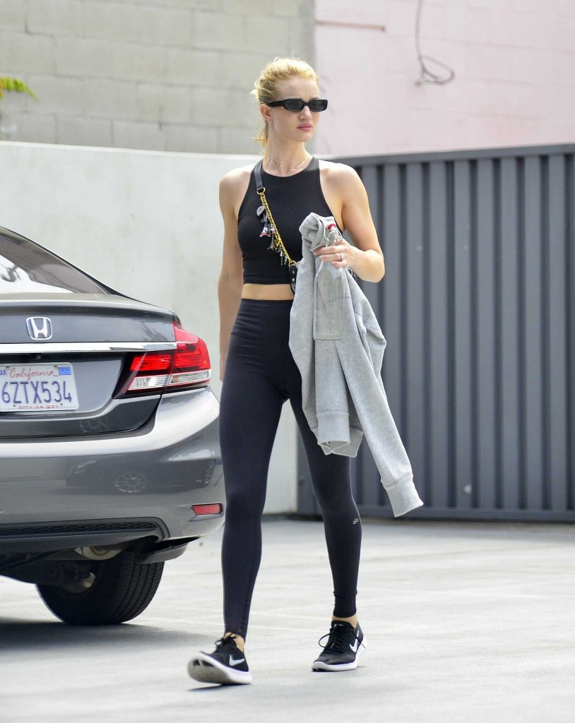 Rosie Huntington-Whiteley Leaves the Gym in Los Angeles-1