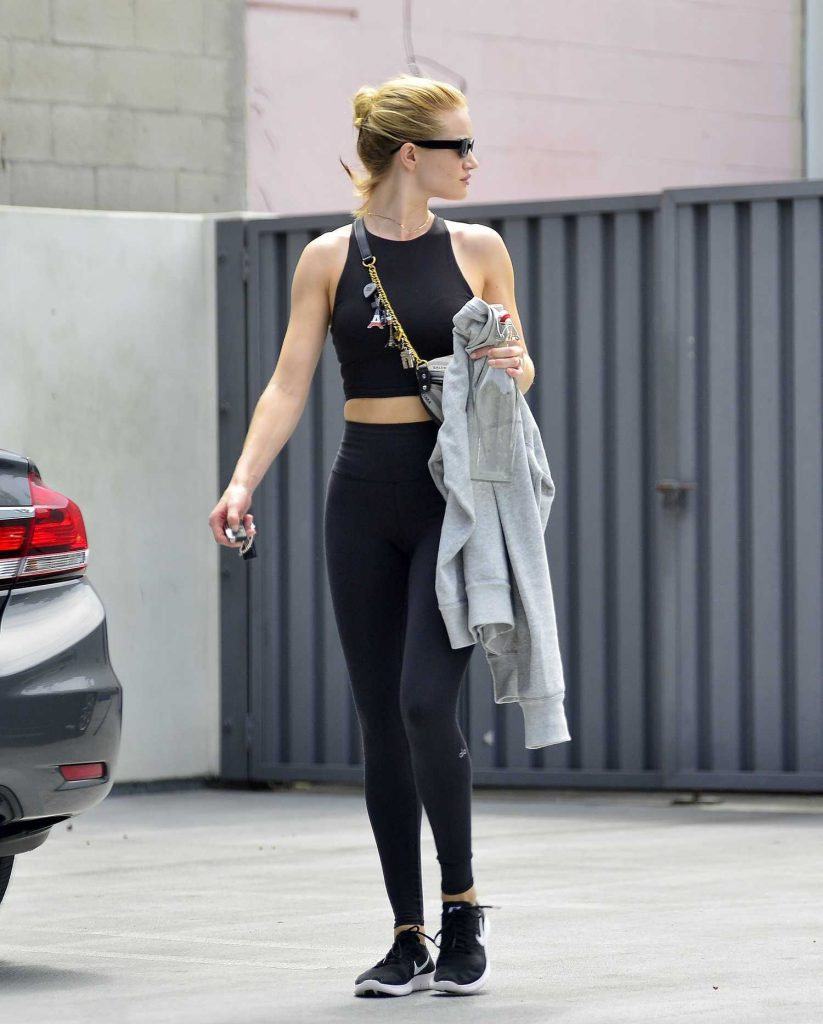 Rosie Huntington-Whiteley Leaves the Gym in Los Angeles-3