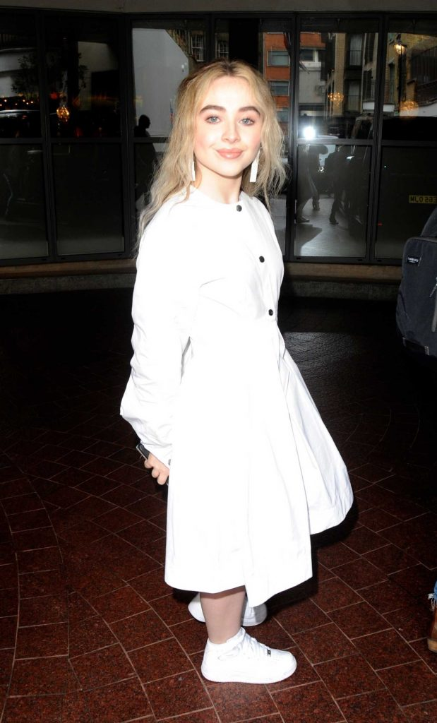 Sabrina Carpenter Leaves the Soho Hotel in London-3