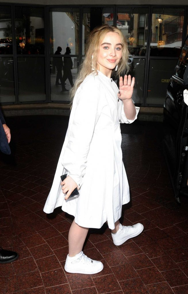 Sabrina Carpenter Leaves the Soho Hotel in London-5