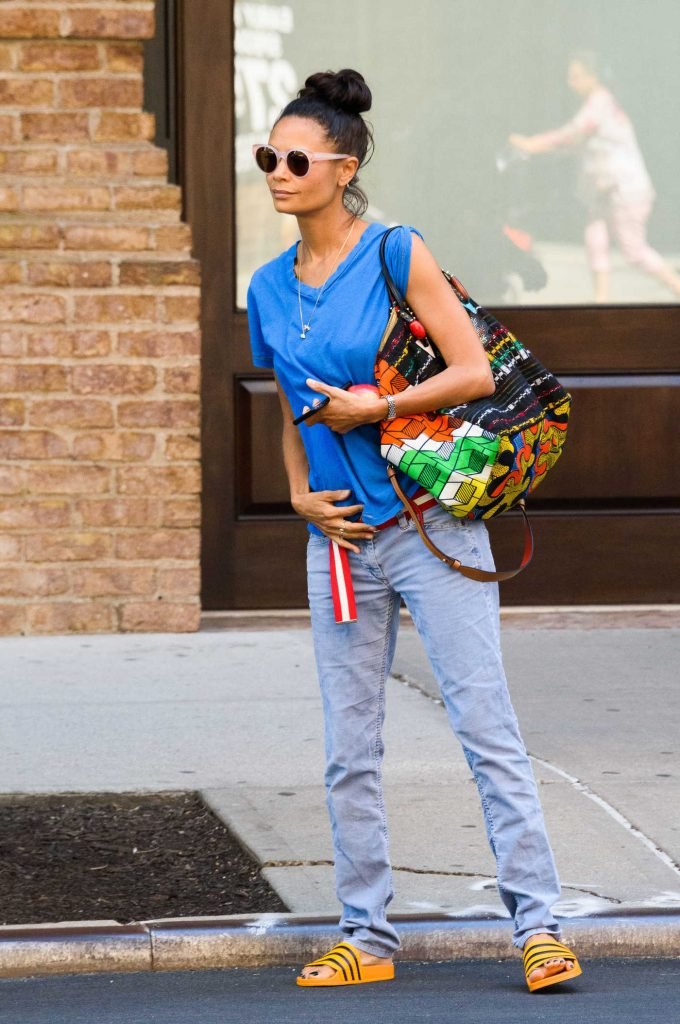 Thandie Newton Hails a Taxi in New York City-3