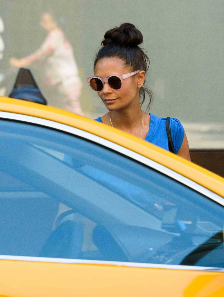 Thandie Newton Hails a Taxi in New York City-4