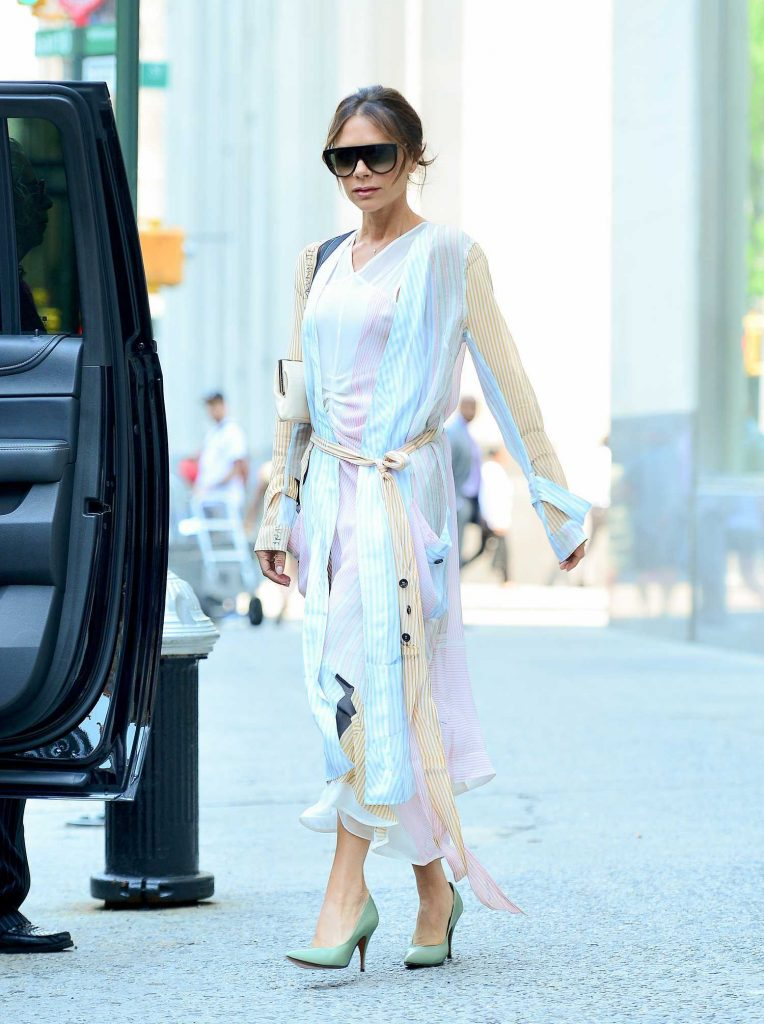Victoria Beckham Steps Out in New York City-4