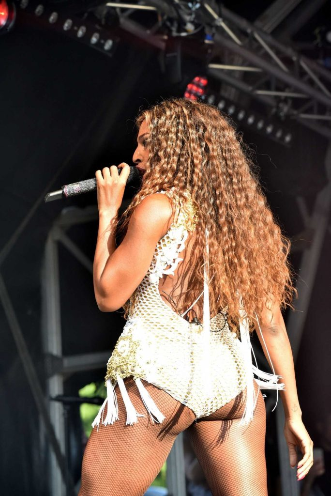 Alexandra Burke Performs at the Pride London Festival in London-5