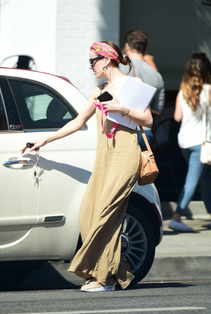Alison Brie Was Seen Out in Los Angeles-5