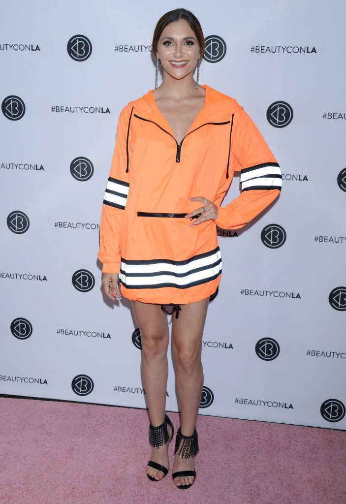 Alyson Stoner Attends Los Angeles Beautycon Festival in Los Angeles-1
