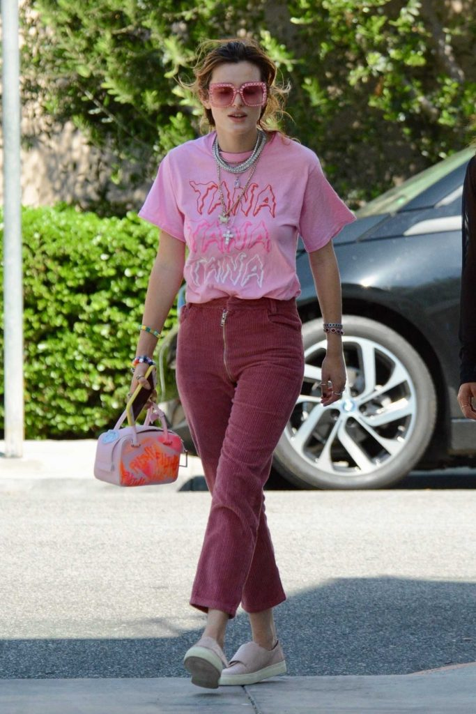 Bella Thorne Wears a Pink T-Shirt After Dinner with a Gal Pal at Versailles Cuban Restaurant in Encino-1