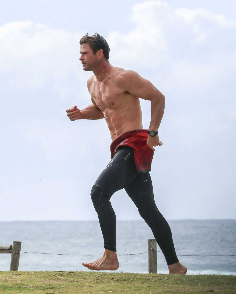 Chris Hemsworth Was Spotted Out in Byron Bay-1