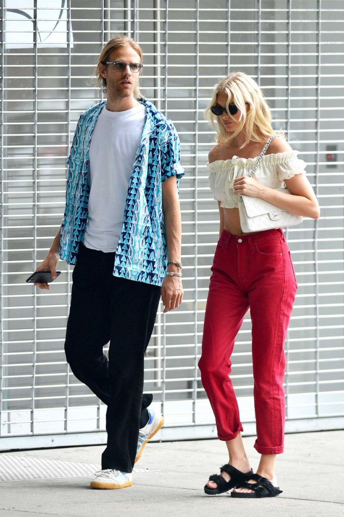 Elsa Hosk Was Spotted Out with Her Boyfriend Tom Daly in SoHo, New York City-3