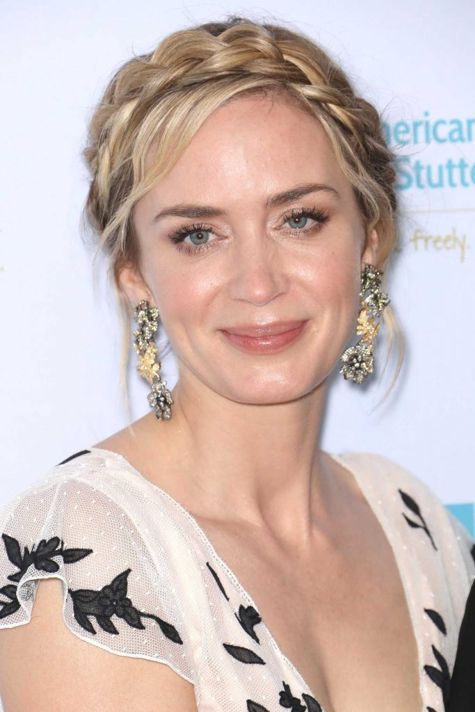 Emily Blunt Attends at the 12th Annual AIS Freeing Voices Changing Lives Gala in New York-5