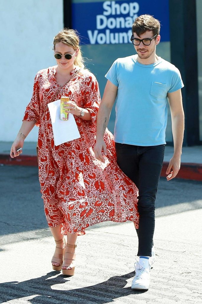 Hilary Duff Was Seen Out with Matthew Koma in Studio City-1