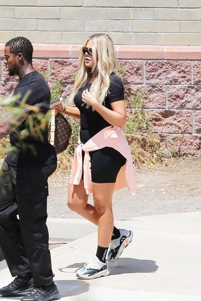 Khloe Kardashian Was Seen in Workout Clothes and Reebok Sneakers as She Leaves a Studio in Los Angeles-4