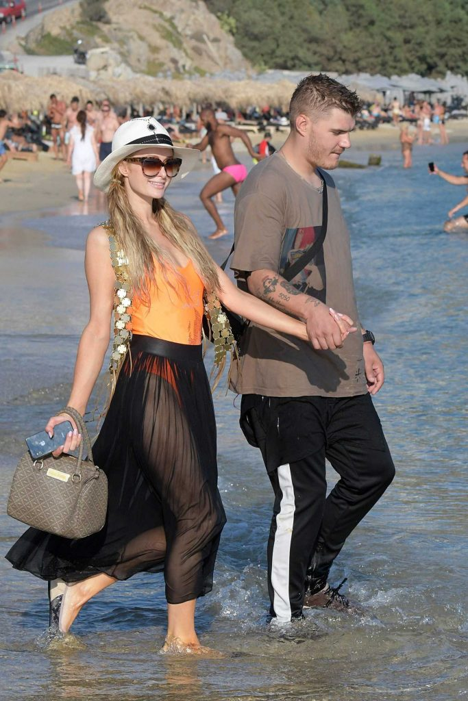 Paris Hilton Was Spotted on the Beach in Mykonos-2