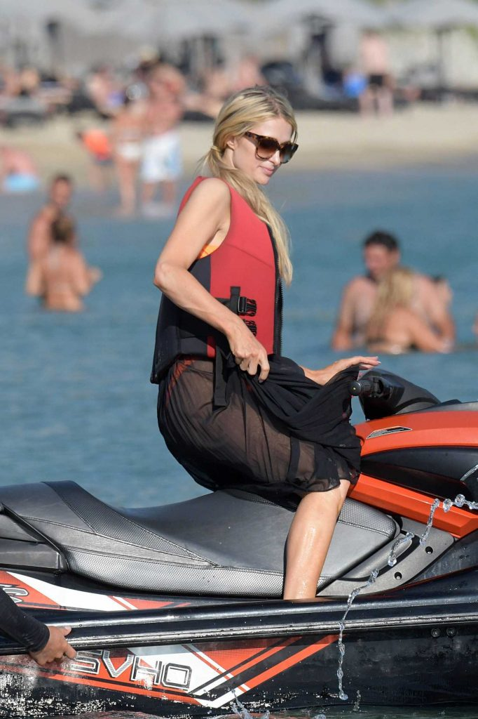 Paris Hilton Was Spotted on the Beach in Mykonos-4