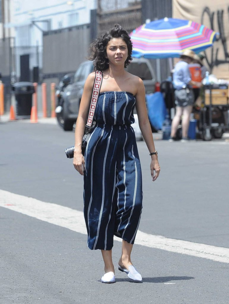 Sarah Hyland on the Set of The Wedding Year in Downtown Los Angeles-1