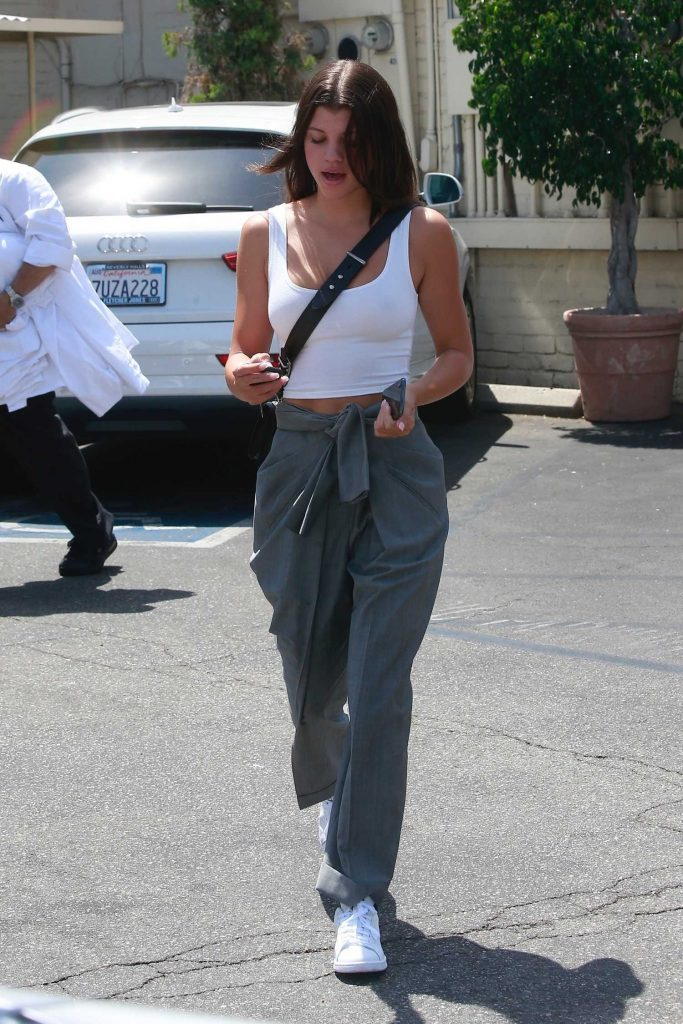 Sofia Richie Wears a White Tank-Top Out in Los Angeles-2