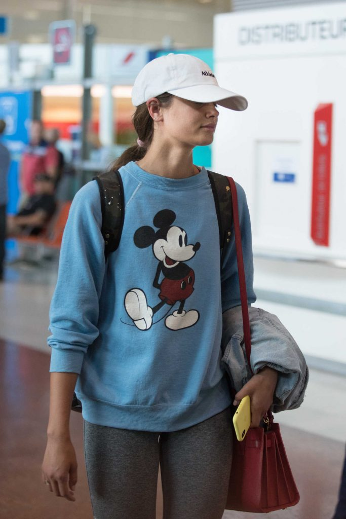 Taylor Hill Arrives at Charles de Gaulle Airport in Paris-5