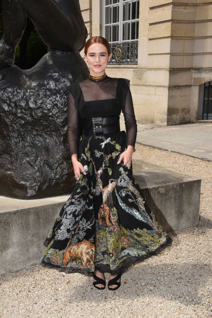 Zoey Deutch Attends 2018 Christian Dior Couture Haute Couture Show in Paris-2