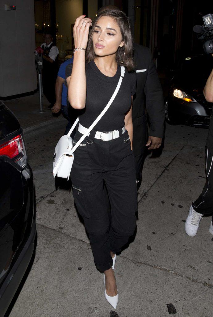 Olivia Culpo in a Black T-Shirt