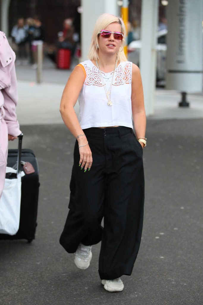 Lily Allen in a White Embroidered Blouse