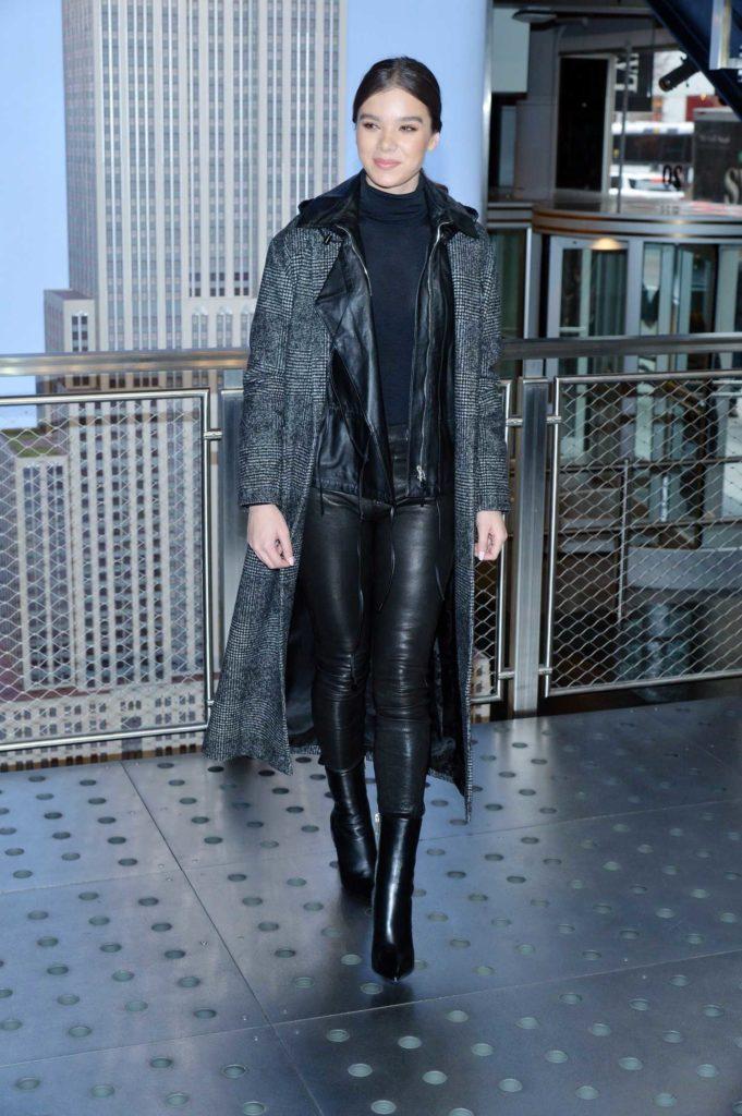 Hailee Steinfeld in a Gray Coat