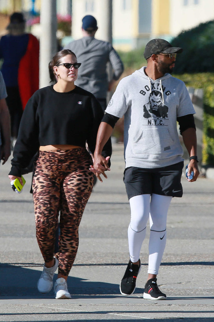 Ashley Graham in Leopard Print Leggings