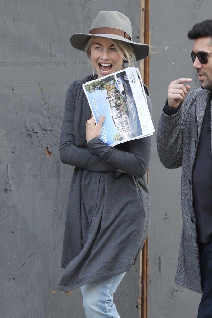 Julianne Hough in a Gray Hat
