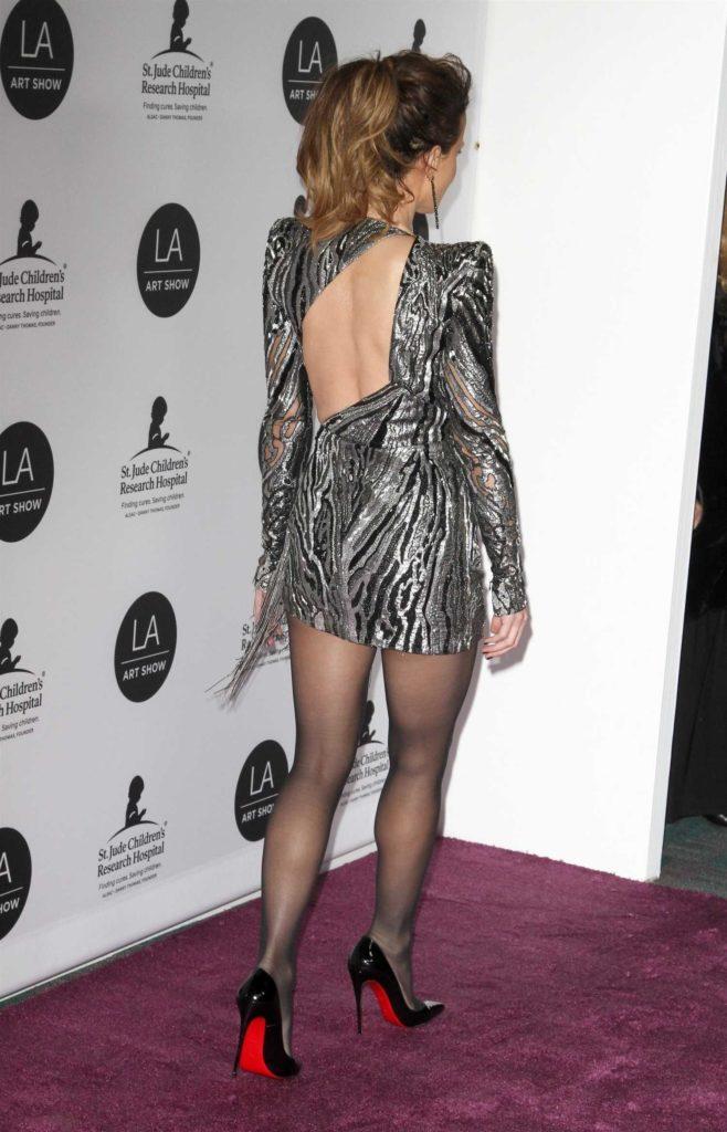 Kate Beckinsale Attends Art Show Opening Night Gala In La Celeb Donut