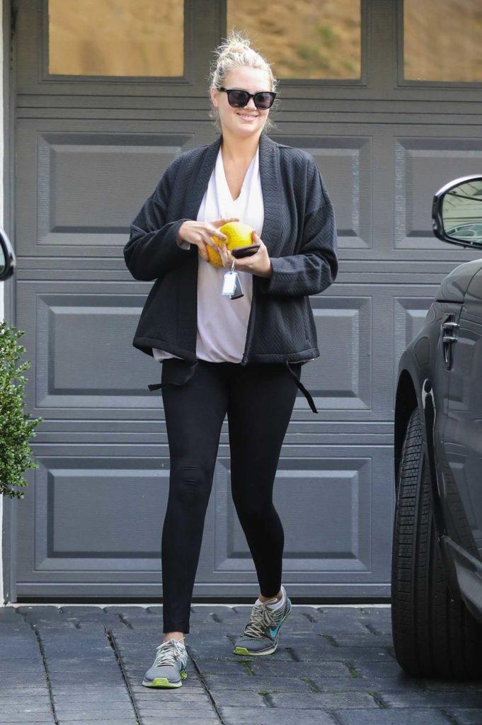 Kate Upton in a Black Leggings