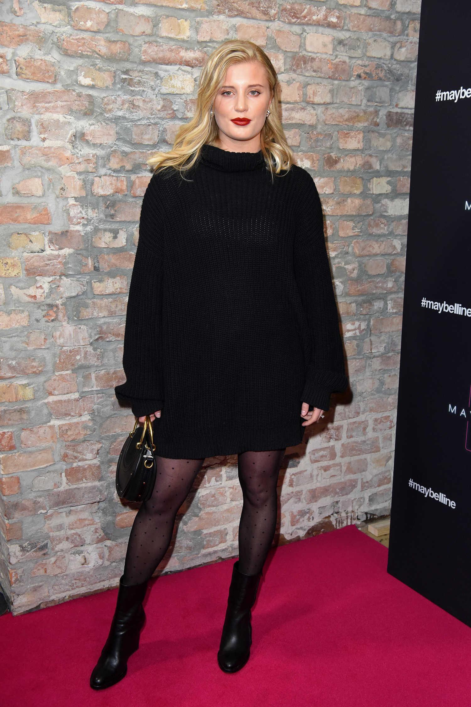 Luna Schweiger Attends Maybelline Fashion Show During The