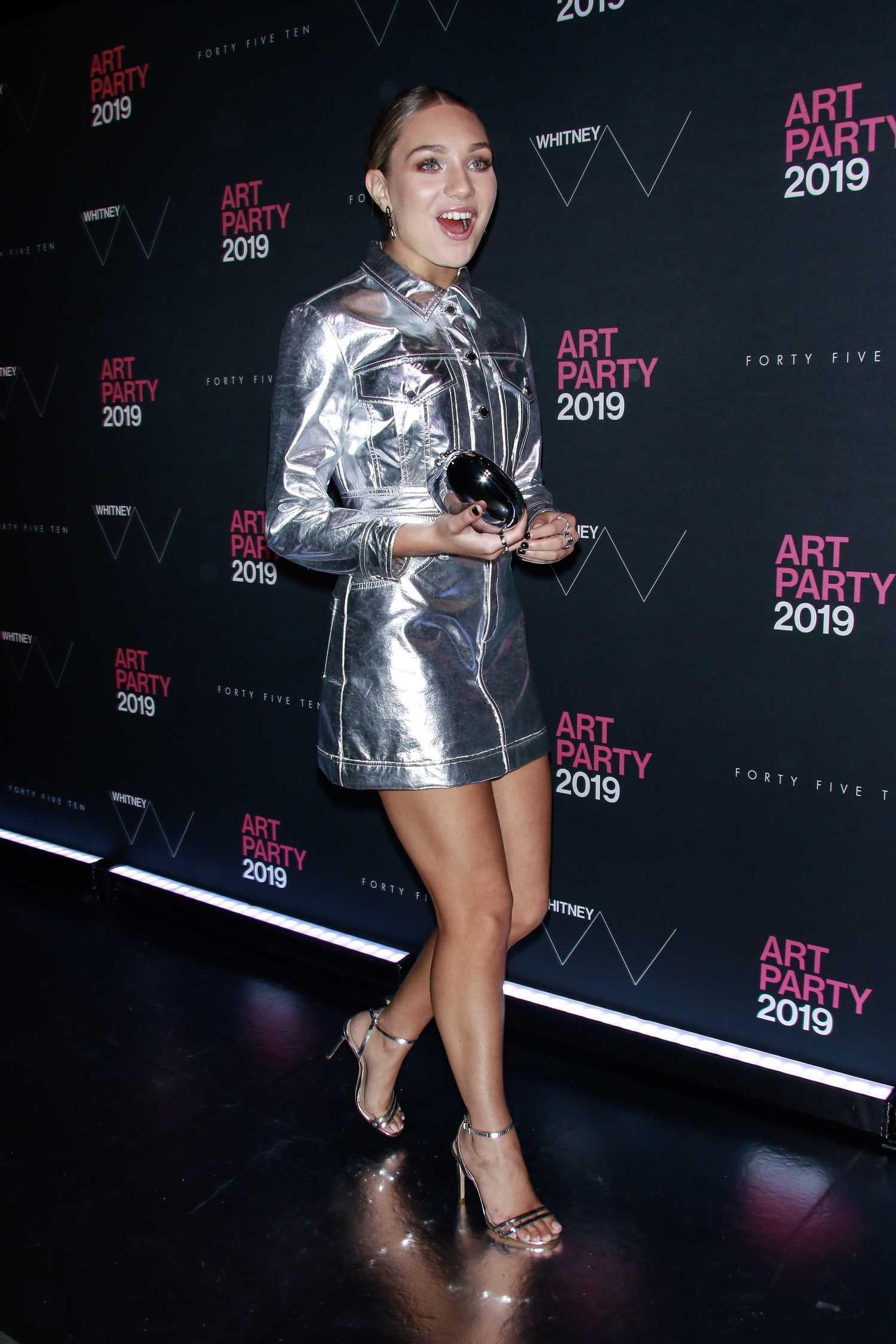 Maddie Ziegler Attnds Whitney Art Party In New York