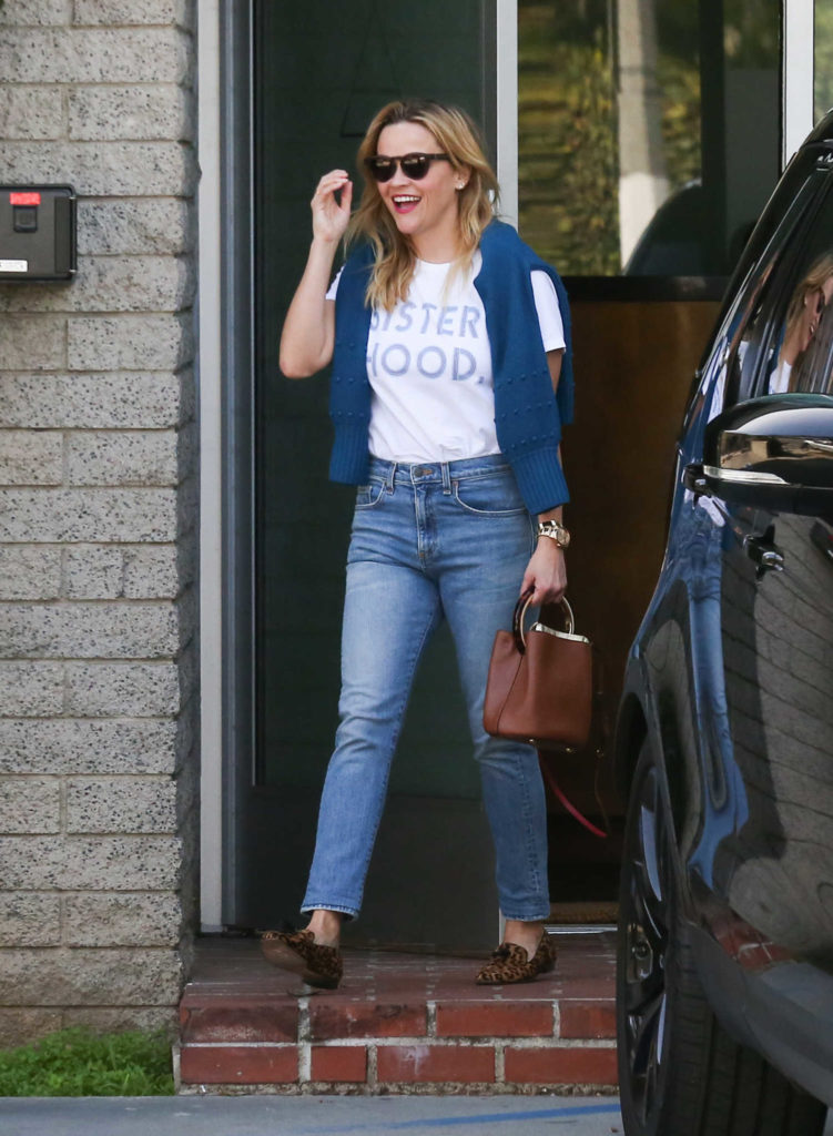 Reese Witherspoon in a White T-Shirt