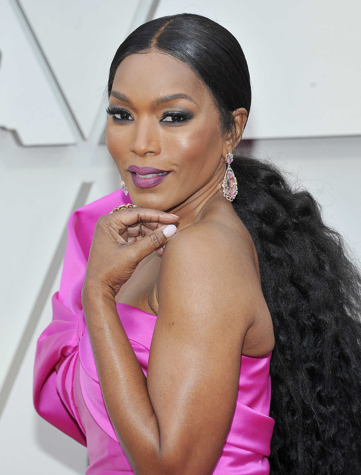 Angela Bassett Attends The 91st Annual Academy Awards In Los Angeles Celeb Donut