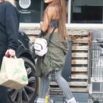 Ariana Grande in a Gray Top Does Some Grocery Shopping at Whole Foods in West Hollywood
