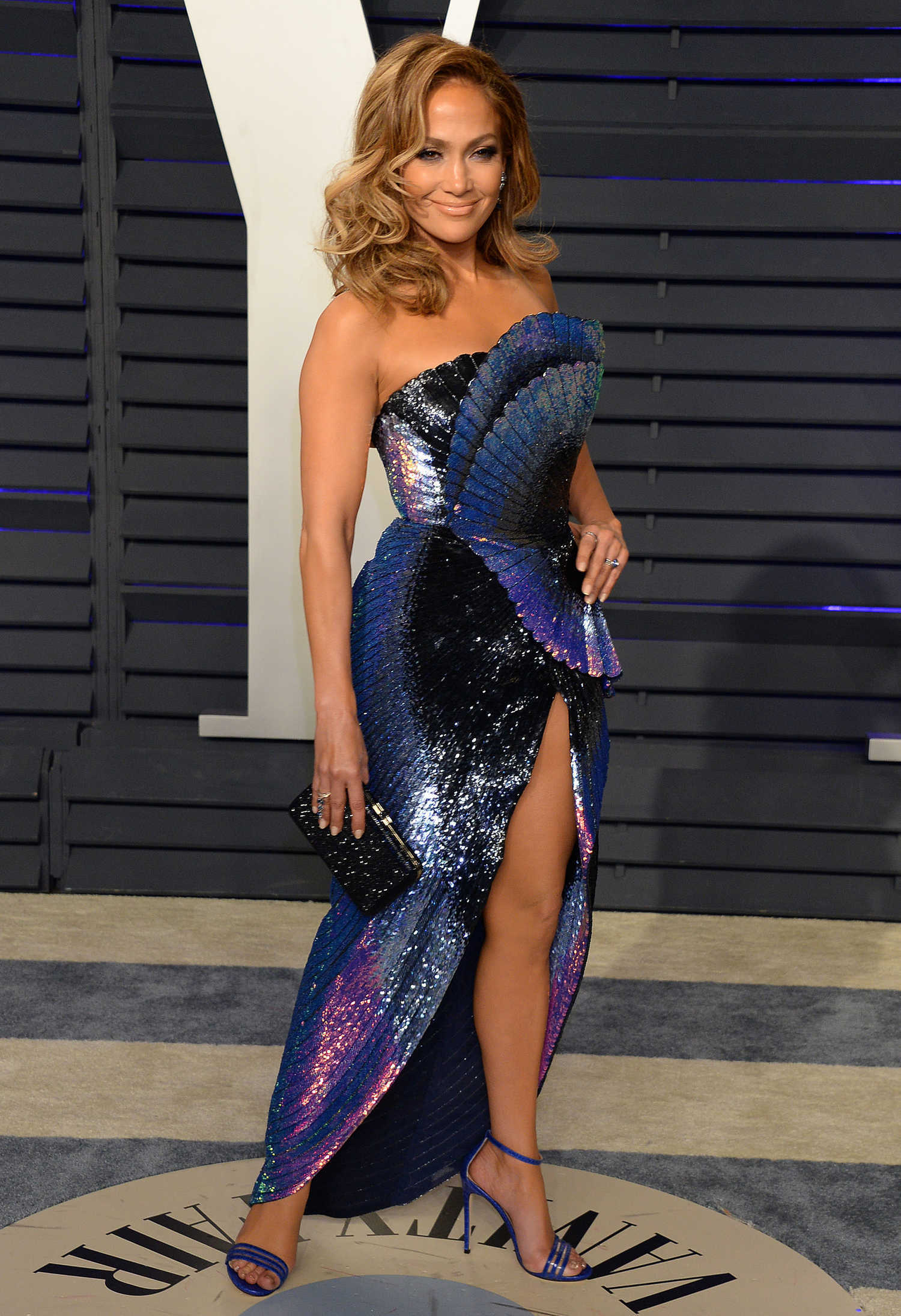 Jennifer Lopez Attends 2019 Vanity Fair Oscar Party In Beverly Hills Celeb Donut
