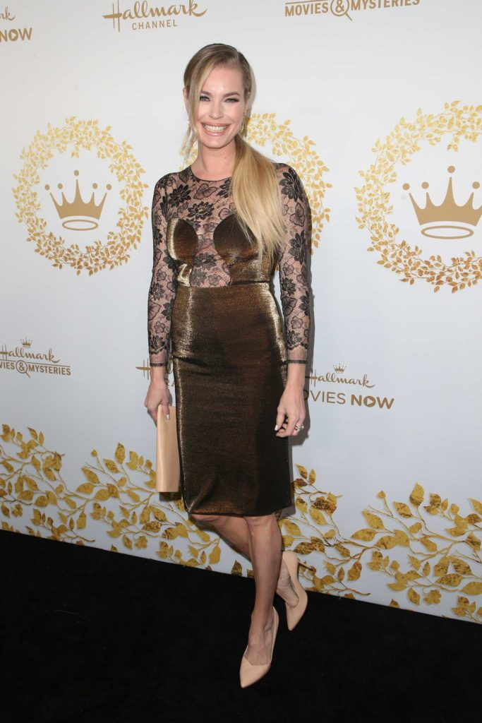 rebecca romijn attends 2019 hallmark movies and mysteries winter tca tour in pasadena celeb donut. Black Bedroom Furniture Sets. Home Design Ideas