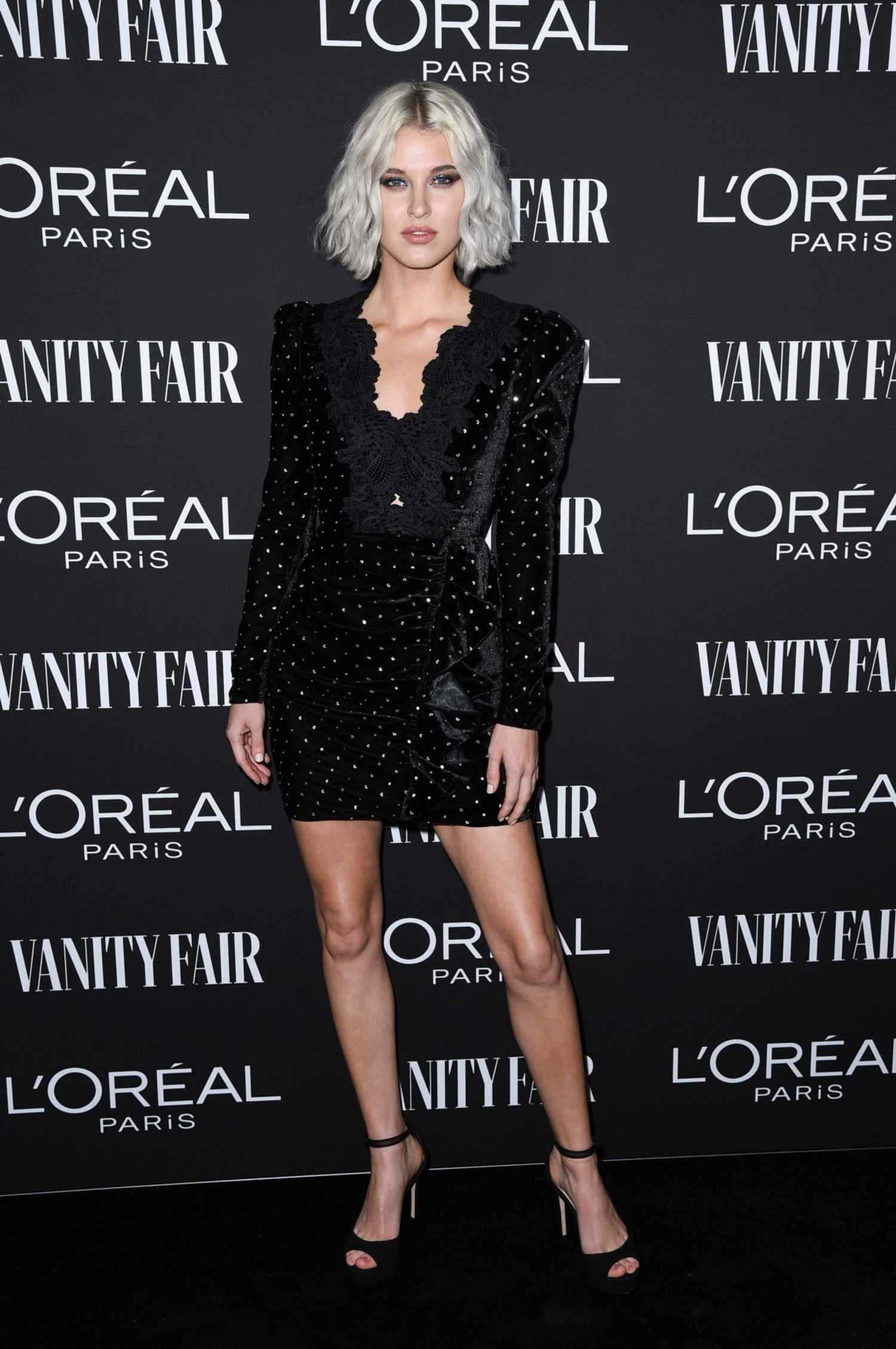 Sarah Grey Attends Vanity Fair And L Oreal Paris Celebrate