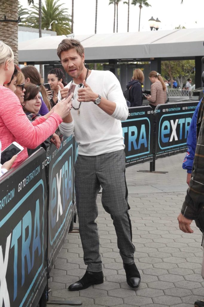 Chad Michael Murray in a Gray Checked Pants